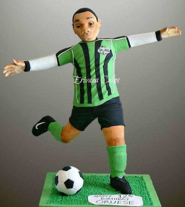 Gravity Defying - 3d Soccer player /Soccer Ball cake