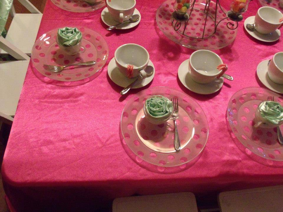 polka dot plates and cups