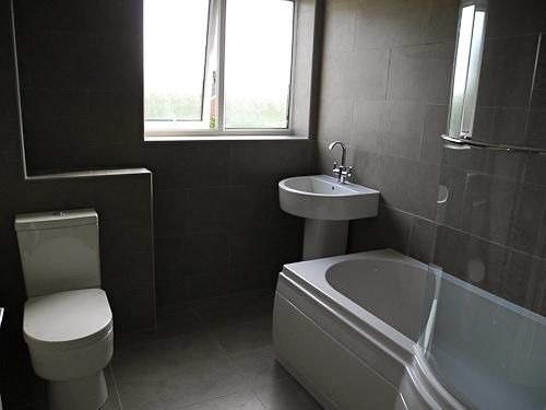 Hemel Hempstead main bathroom