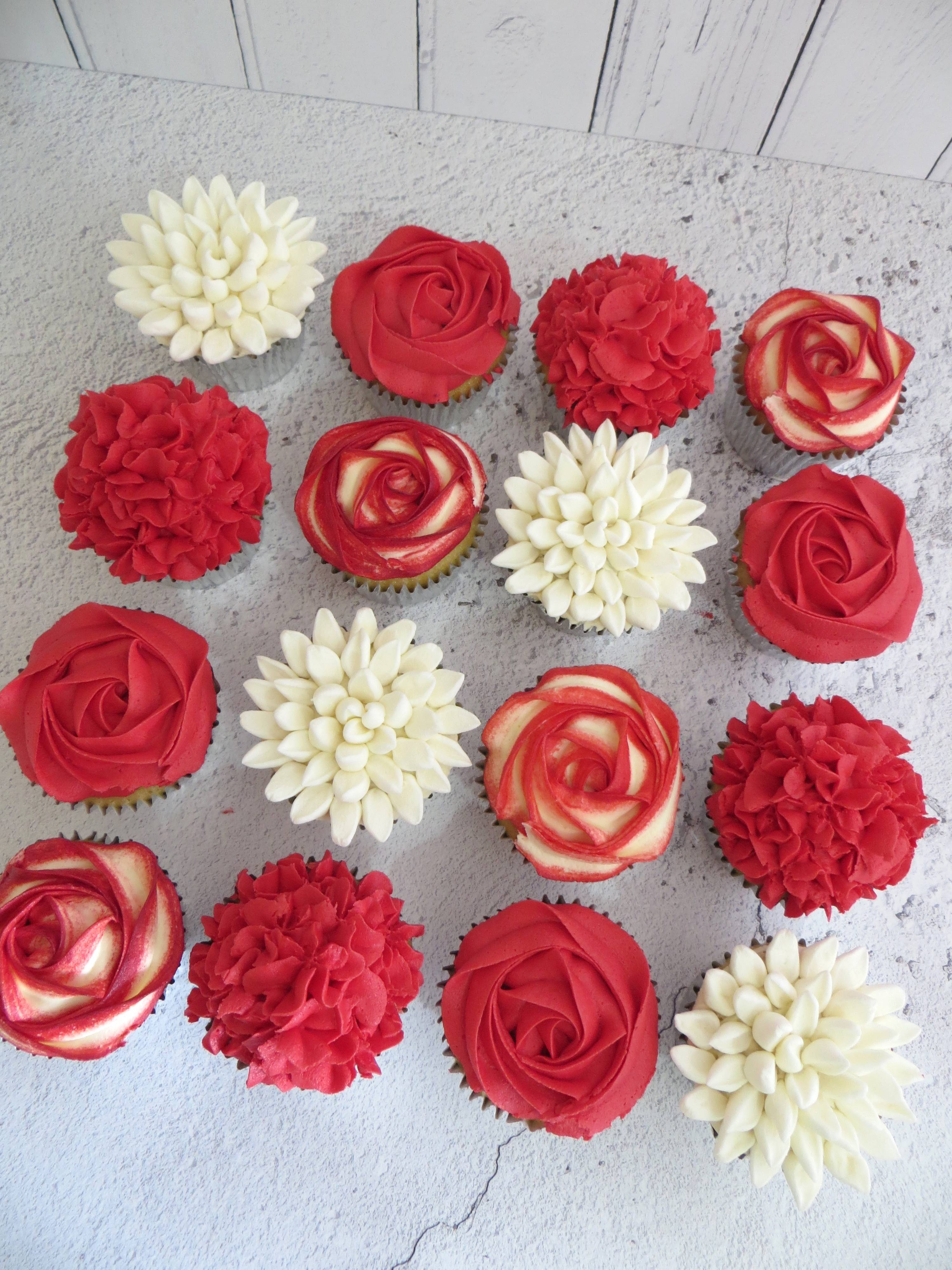 Red and white flower cupcakes