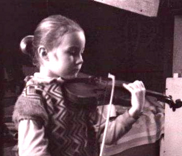 Dunja Lavrova aged 7