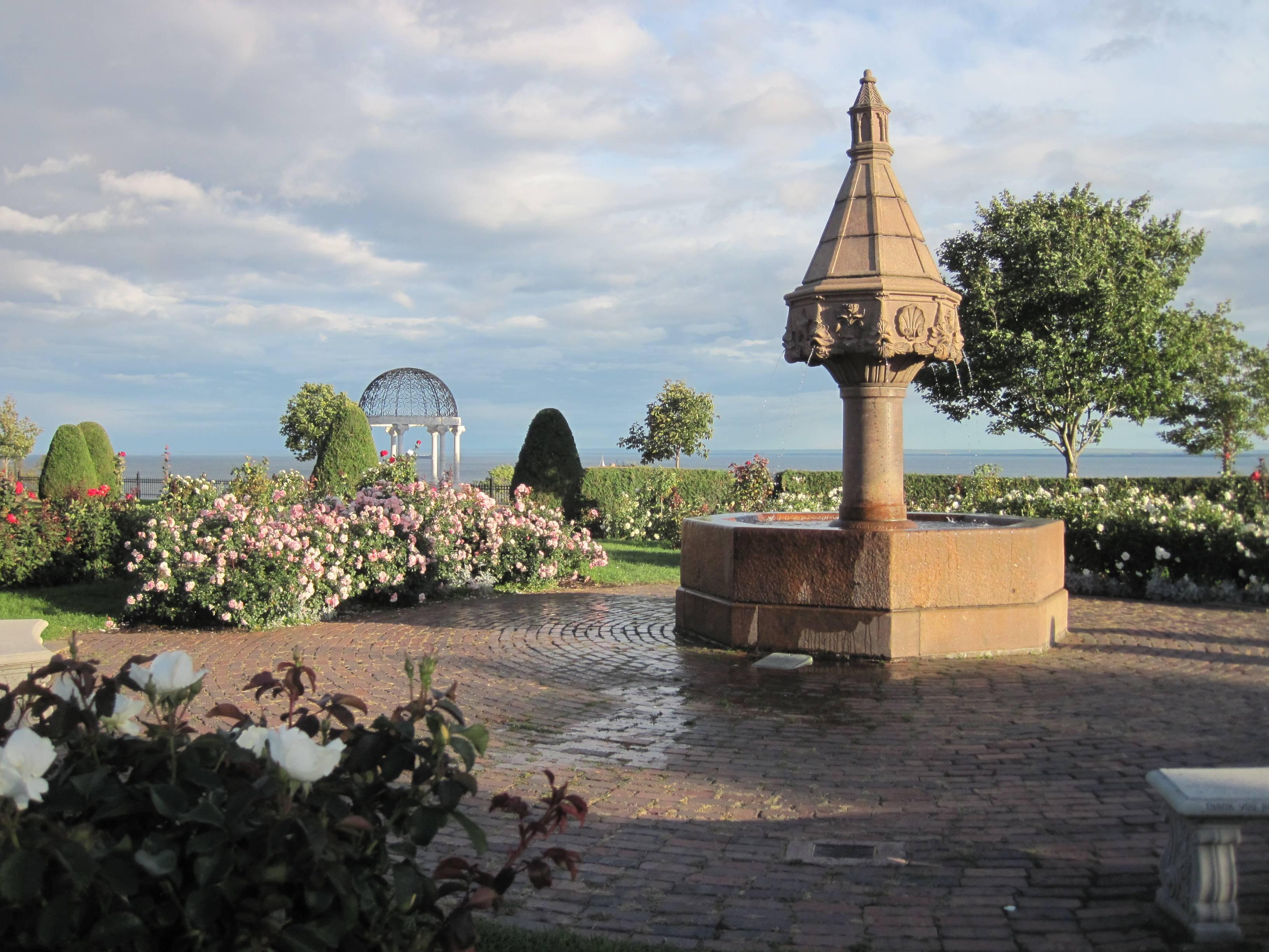 Leif Erikson Rose Garden with Horse Fountain