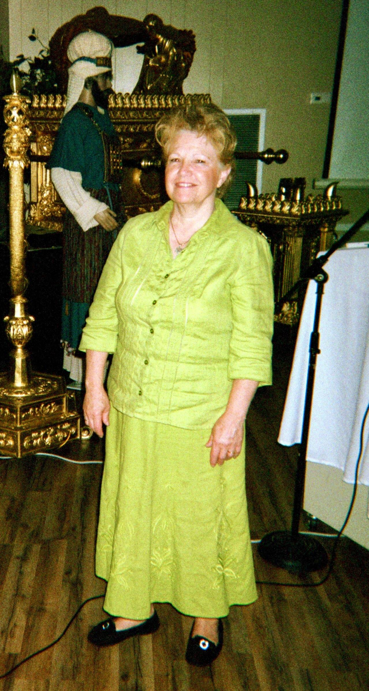 Linda Hillman