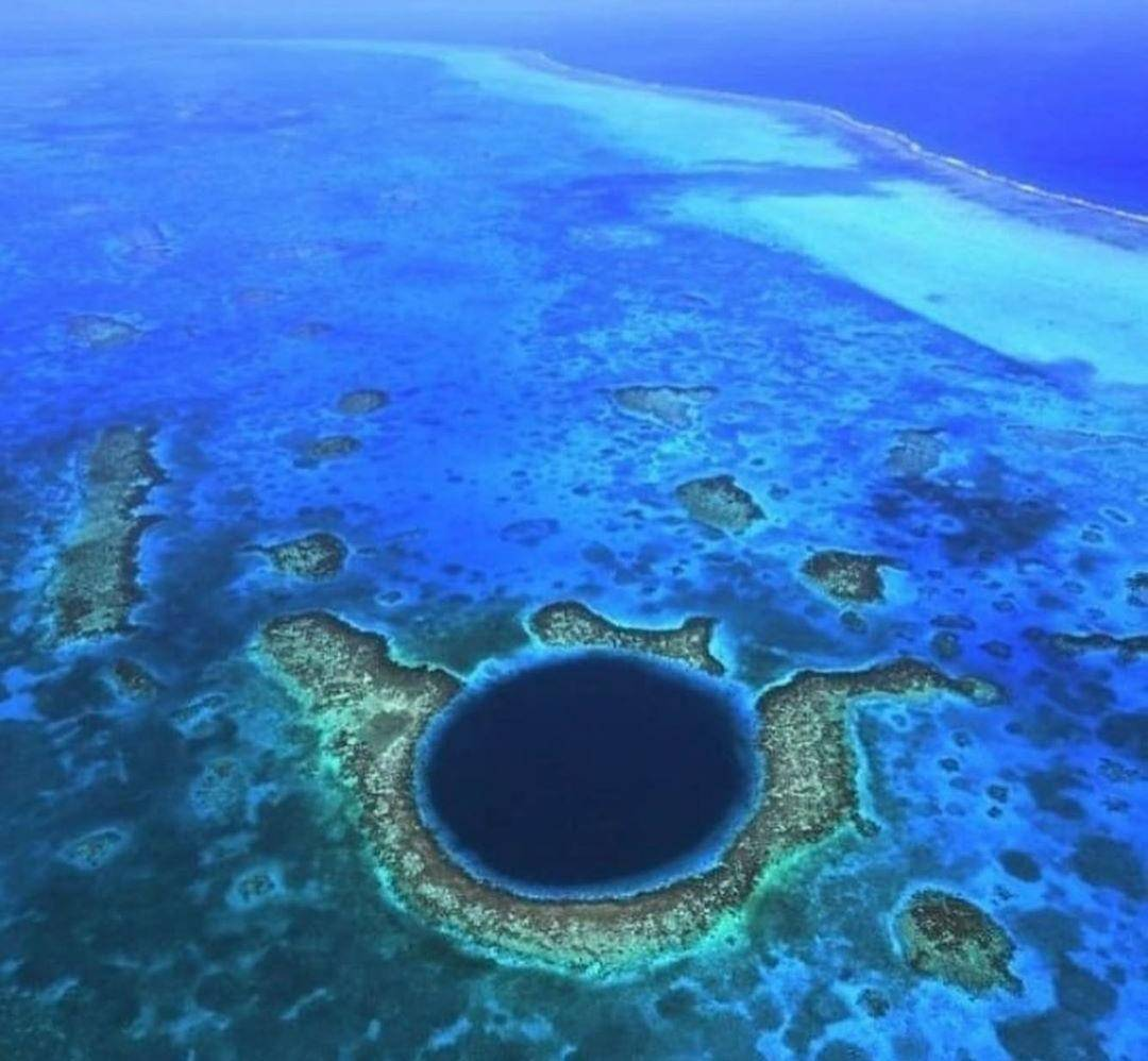 THE WORL FAMOUS, BELIZE BLUE HOLE