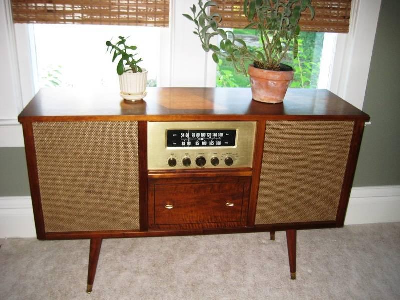 Krisi Lillie beautiful 1961 Curtis Mathes Stereo model # 2714-DV The Lexington