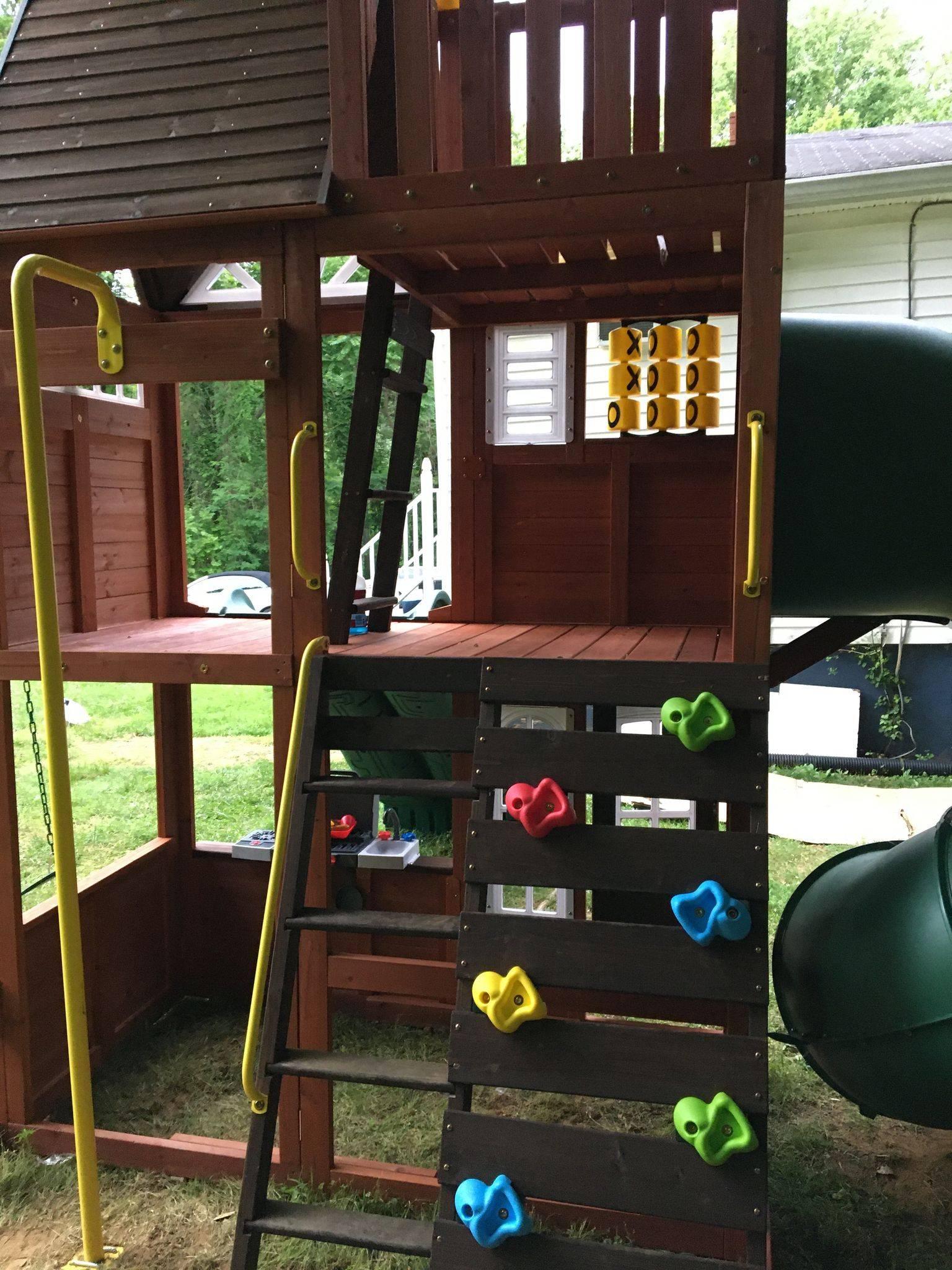 hilltop swing set assembly service in fairfax Virginia