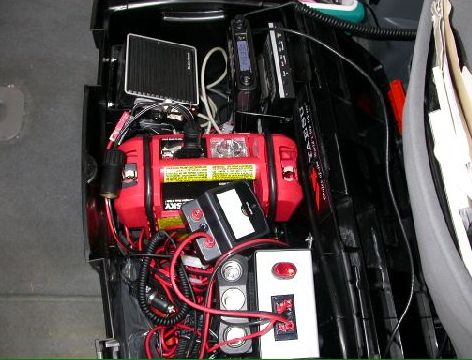 Self-contained go-kit station