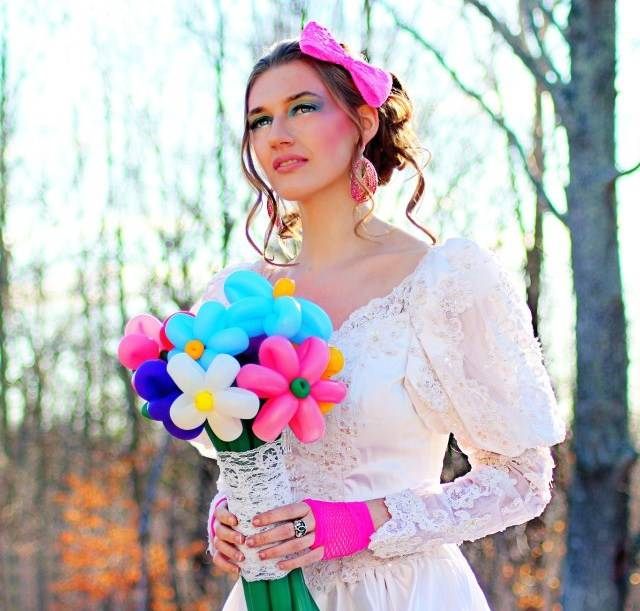80s Themed Bridal Shoot Balloon Flowers
