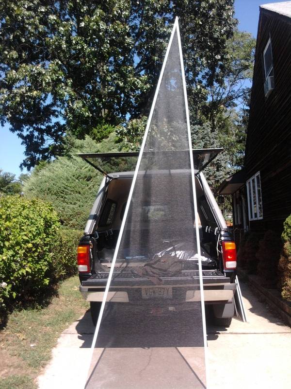Triangle screen