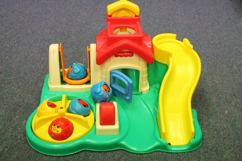 Fisher Price Little people ball game