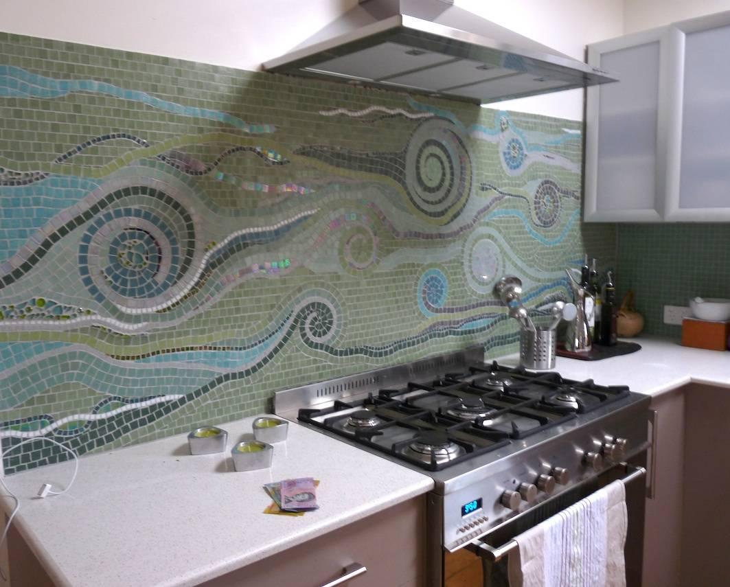 Wave motif kitchen splash back