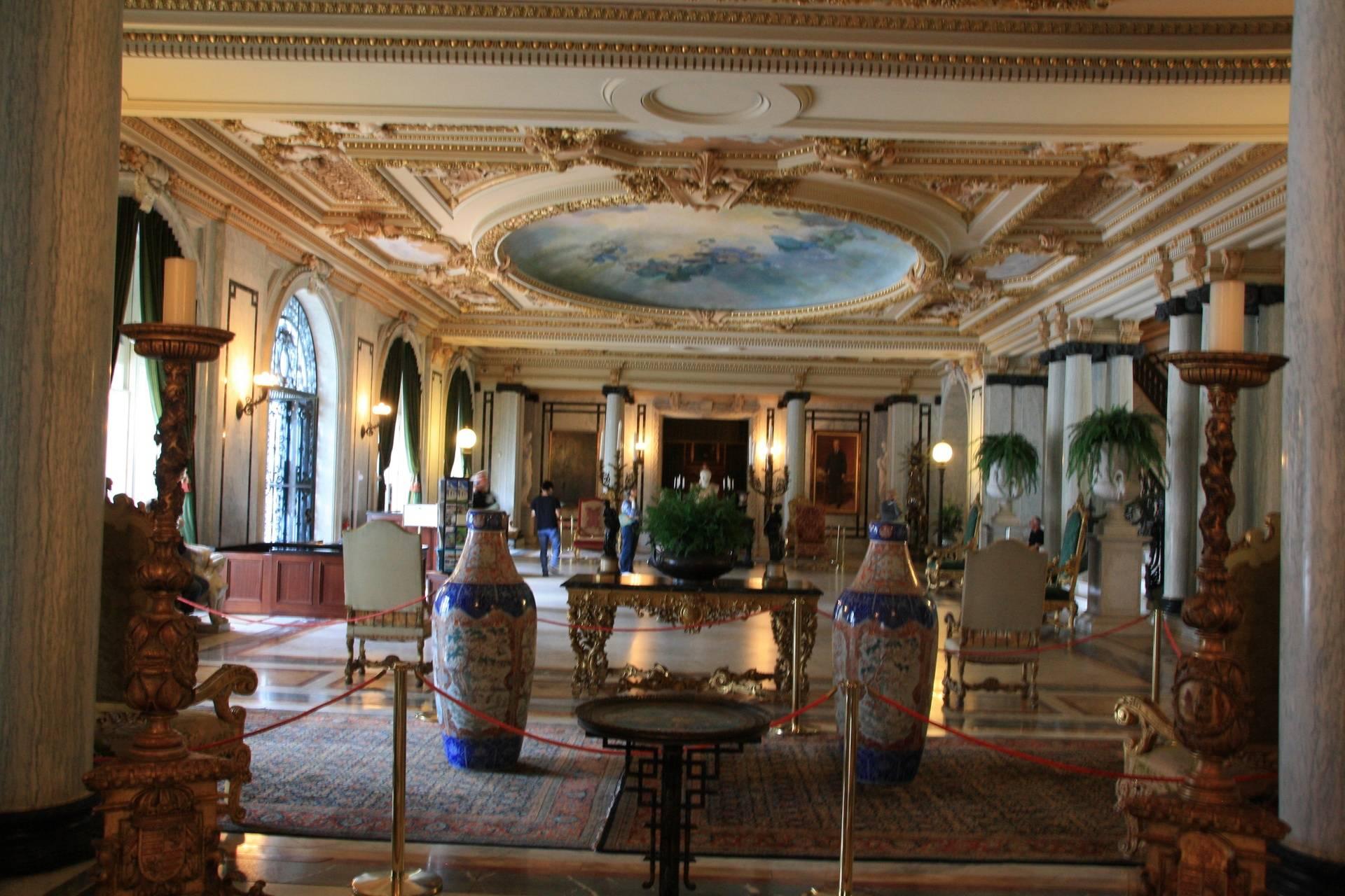 Flagler Museum, Palm Beach FL - Great hall