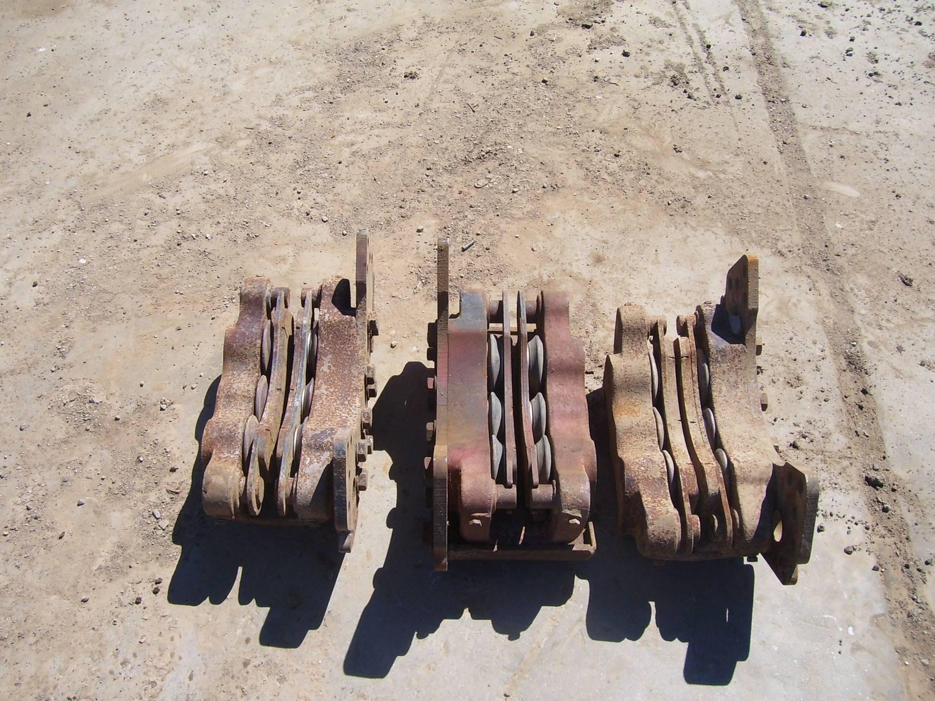 65A Brake Calipers W/Pads