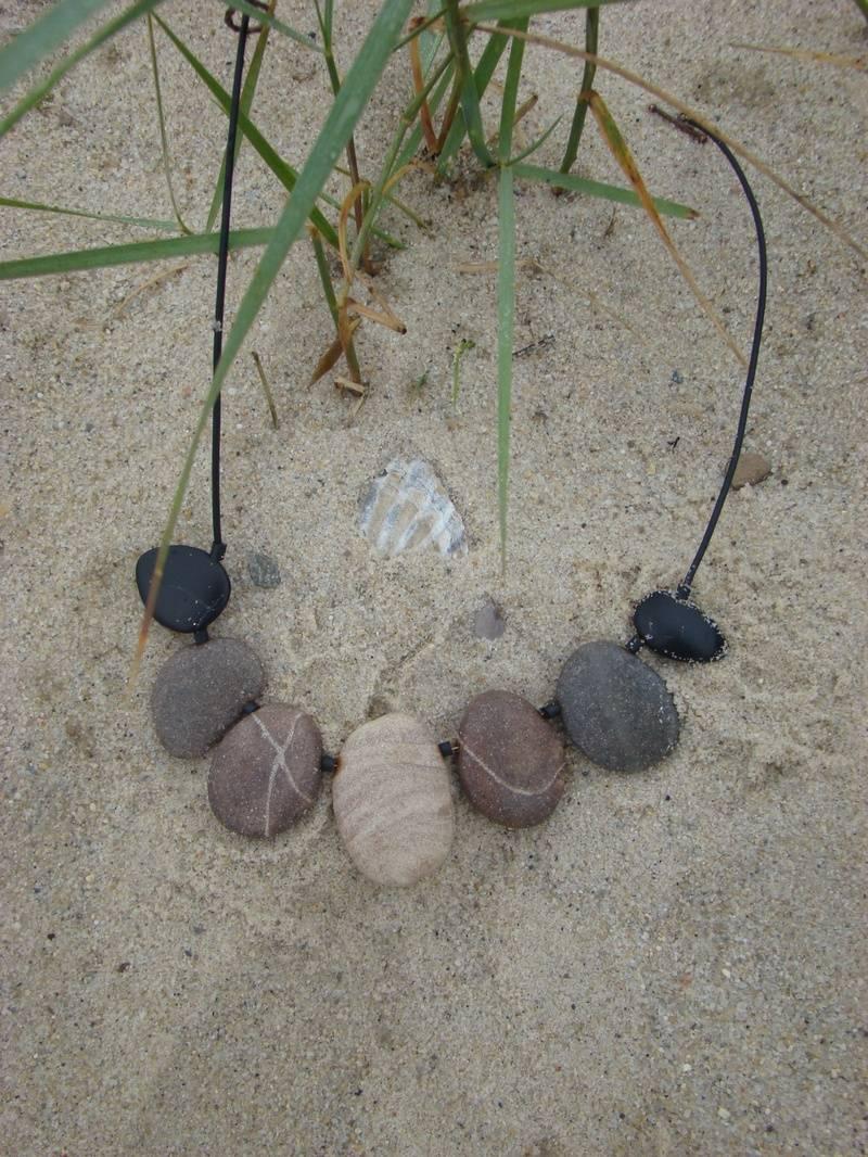 Polymer beach stones