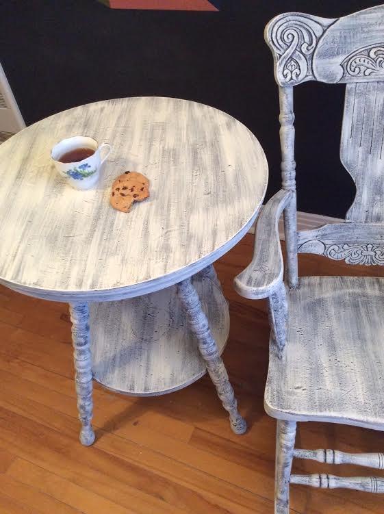 Chaise et table Pour un client