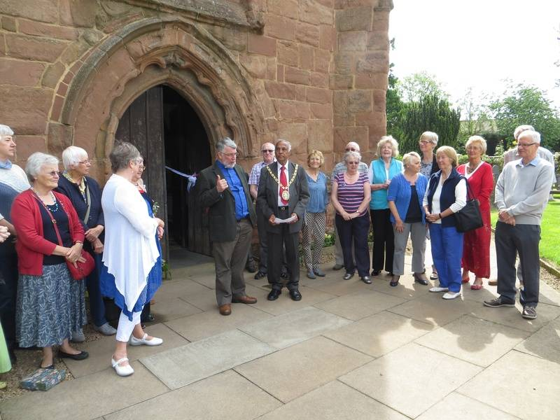 Mayor of Rugby opens the festival