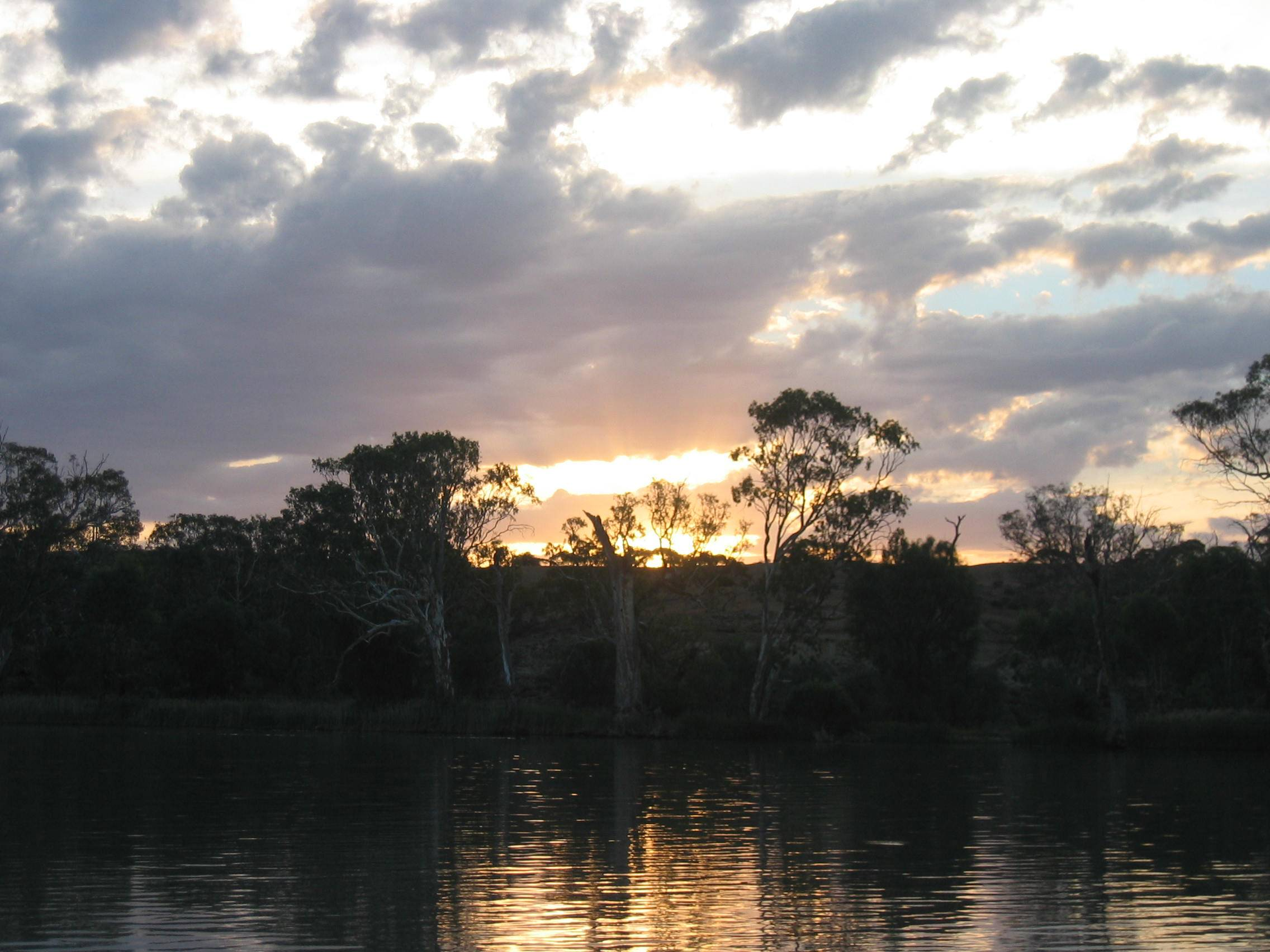 Sunset upriver from Blanchetown