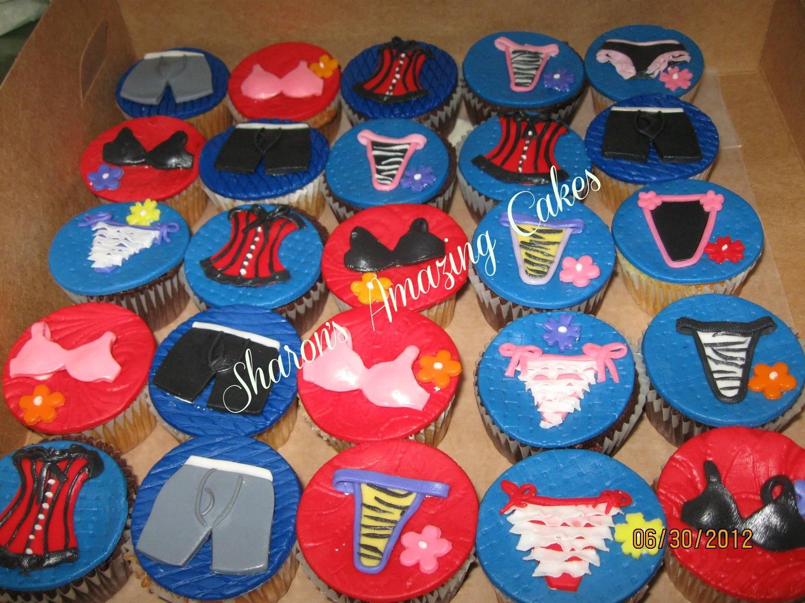 CC32 -Lingerie Cupcakes
