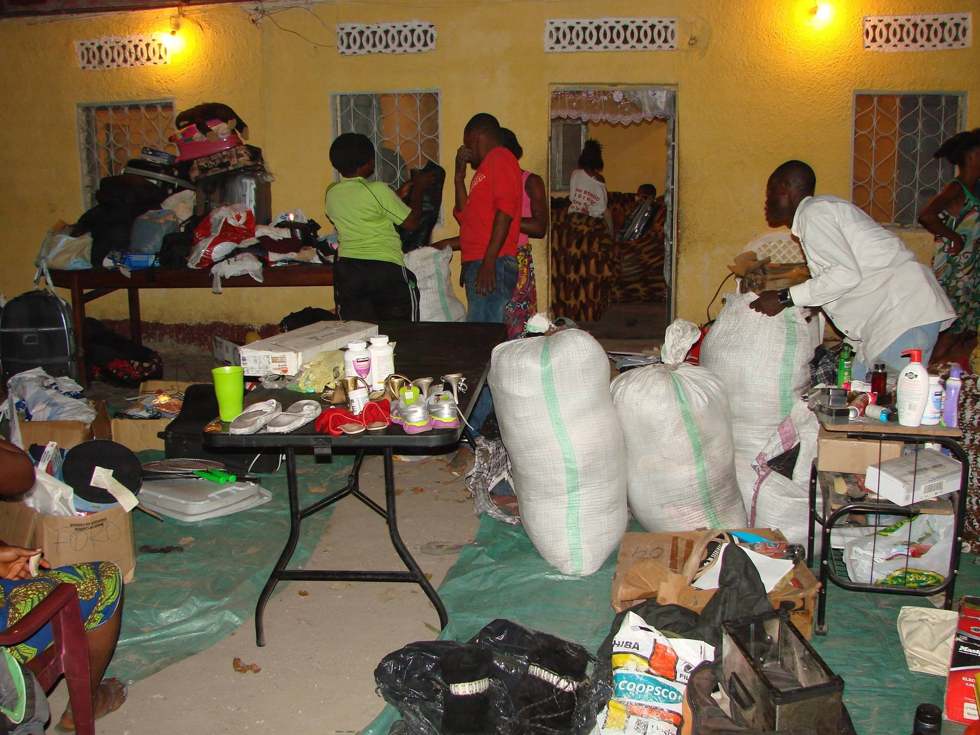 Distribution de dons 12