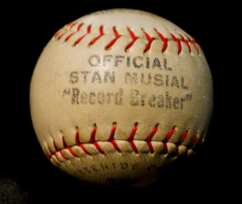 ST. LOUIS CARDINALS STAN MUSIAL SIGNED RECORD BREAKER BASEBALL HOF RARE