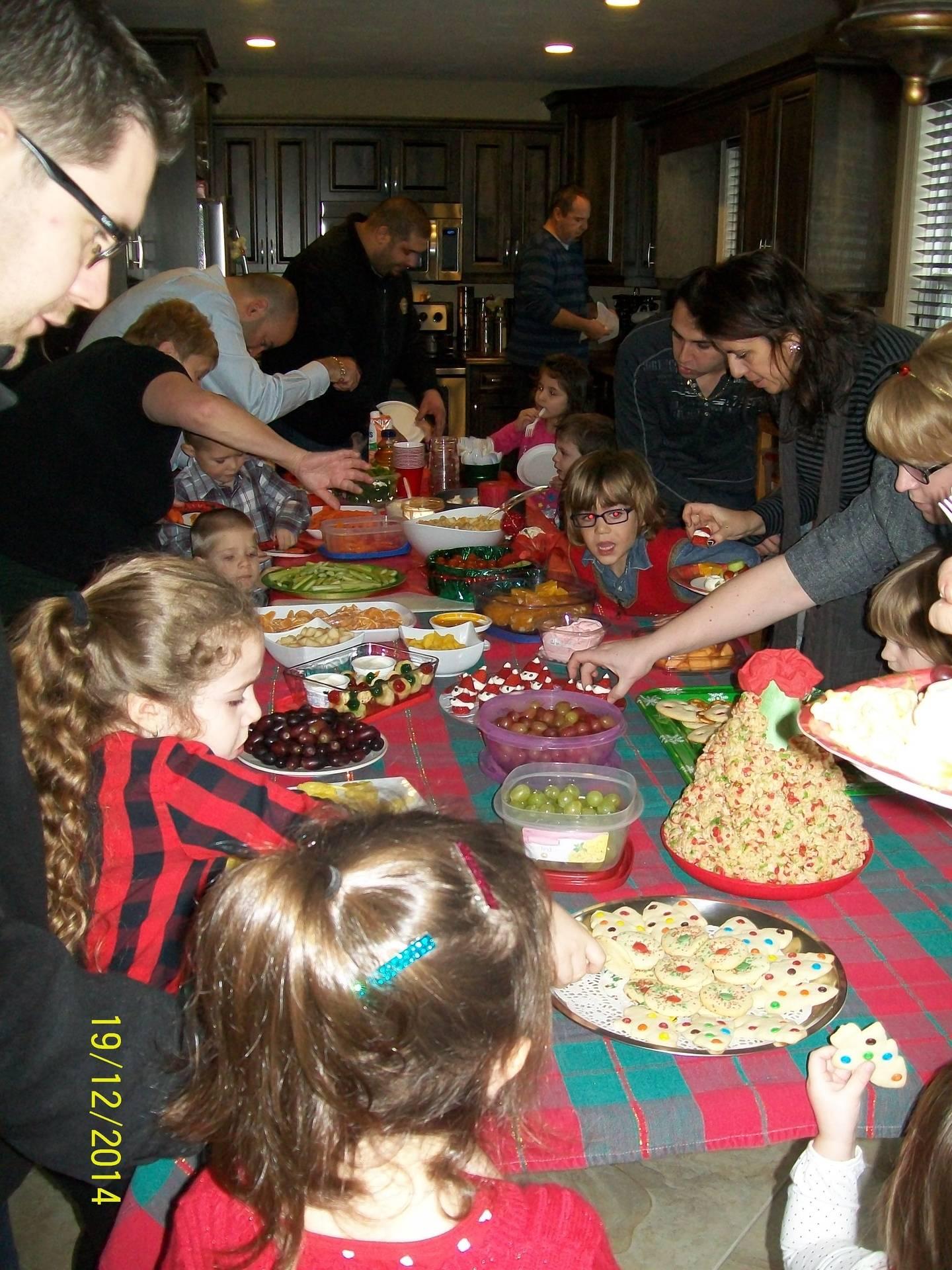 Un bon buffet préparé par les parents des élèves