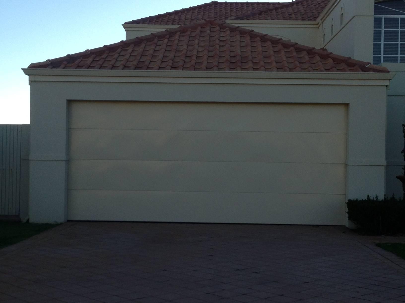 Flatline Paperbark Sectional Door