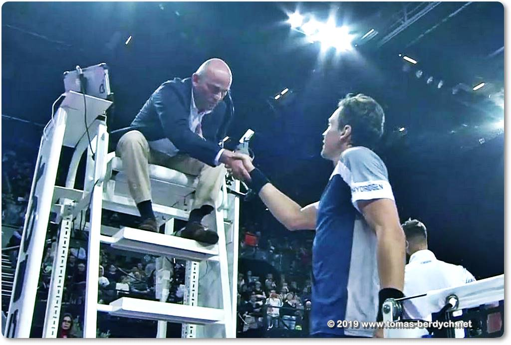 Tomas Berdych and chair umpire Gianluca Moscarella