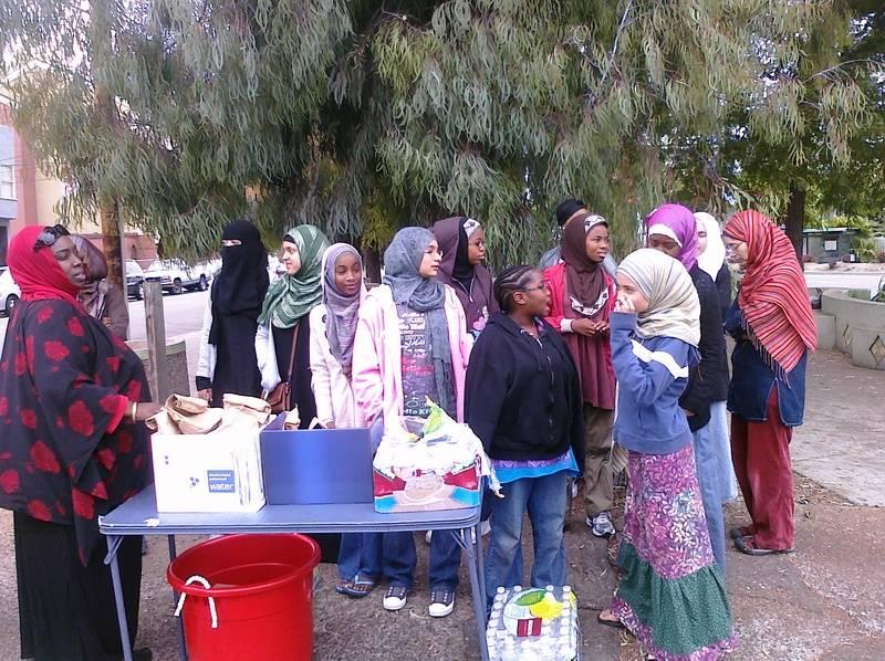 Rosebuds Halaqa Feeding the Needy