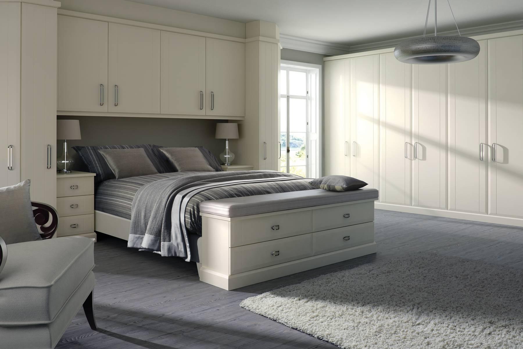 COLONIAL VIRGINIA SMOOTH WHITE BEDROOM