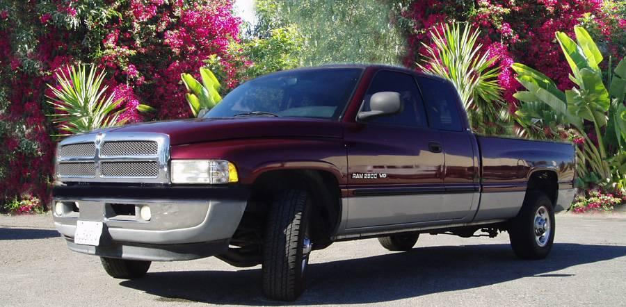 2001 DODGE RAM 2500 QUAD CAB, V10, 4 DR, LONG BED, 8.0L, SLT LARAMIE, !! Mother of All Truck !!