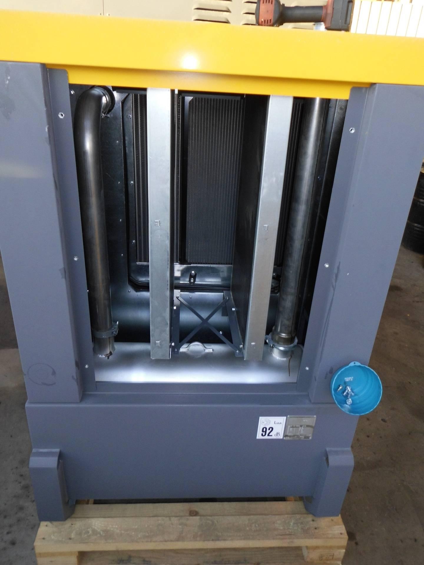 Stromgenerator Atlas Copco QAS 100 original Abgasanlage