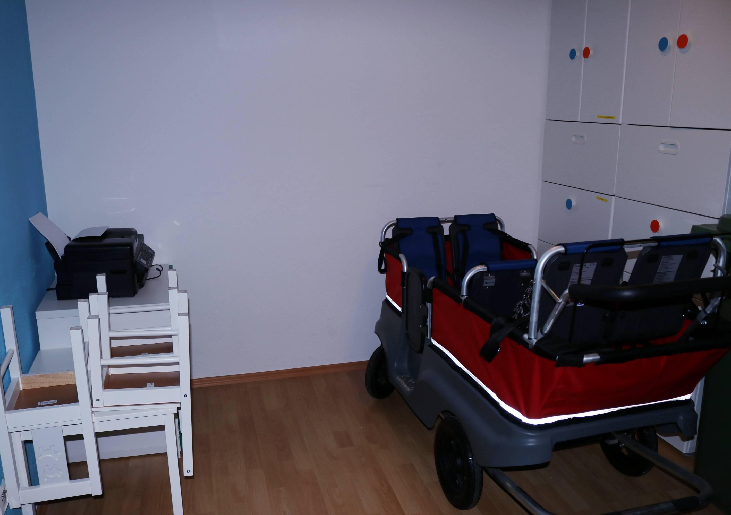 Krippenwagen