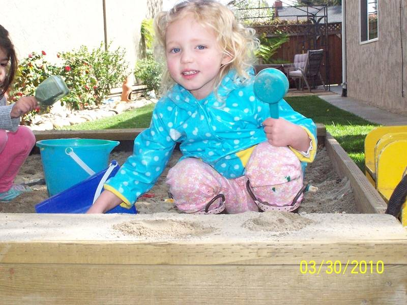 Making Sand Cakes