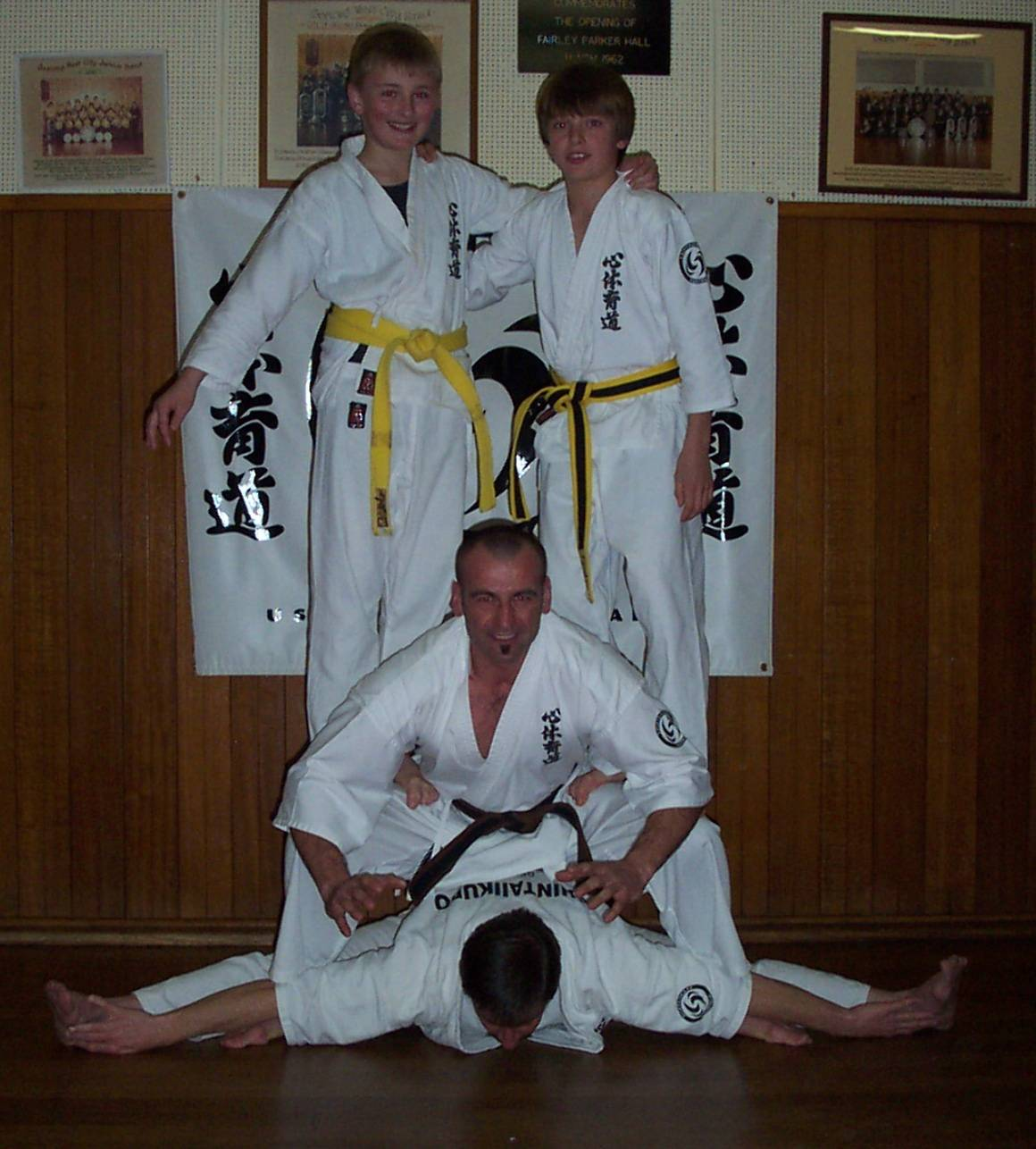 Sensei Craig demonstrates flexibility & strength