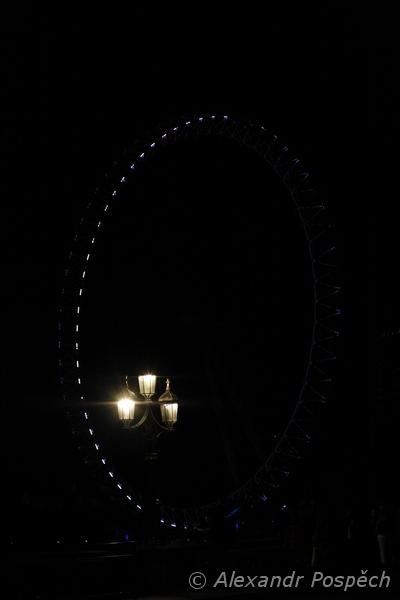 London eye with lamp