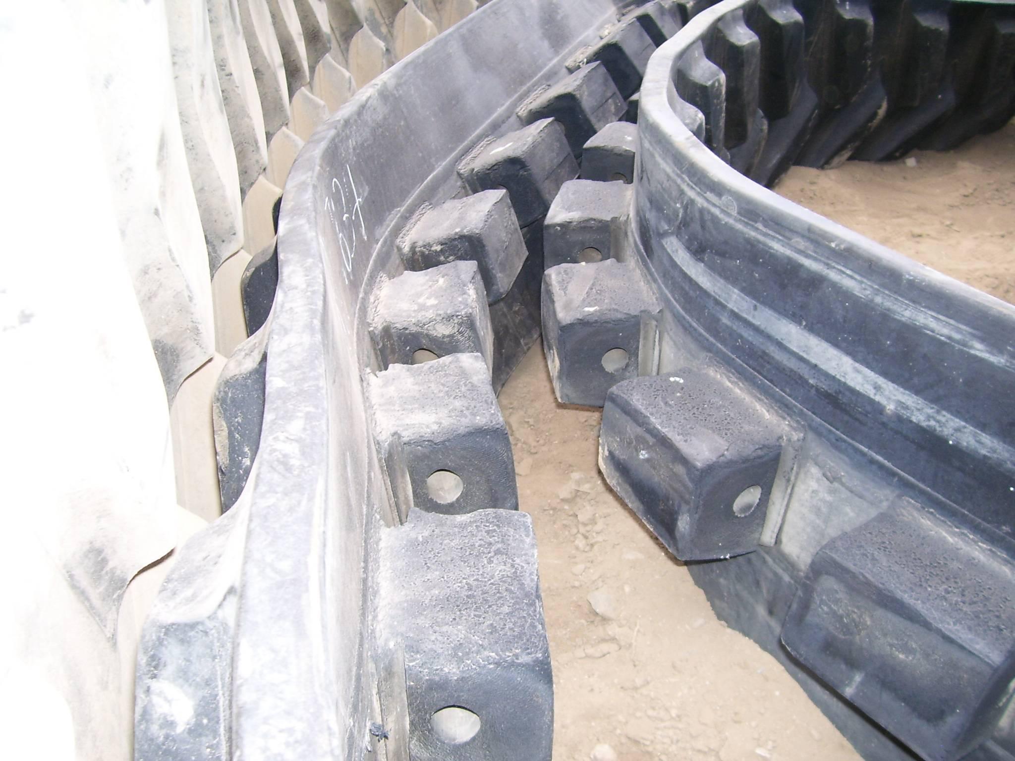 "Camoplast 3500 Series 16"" Belt @ 80%"