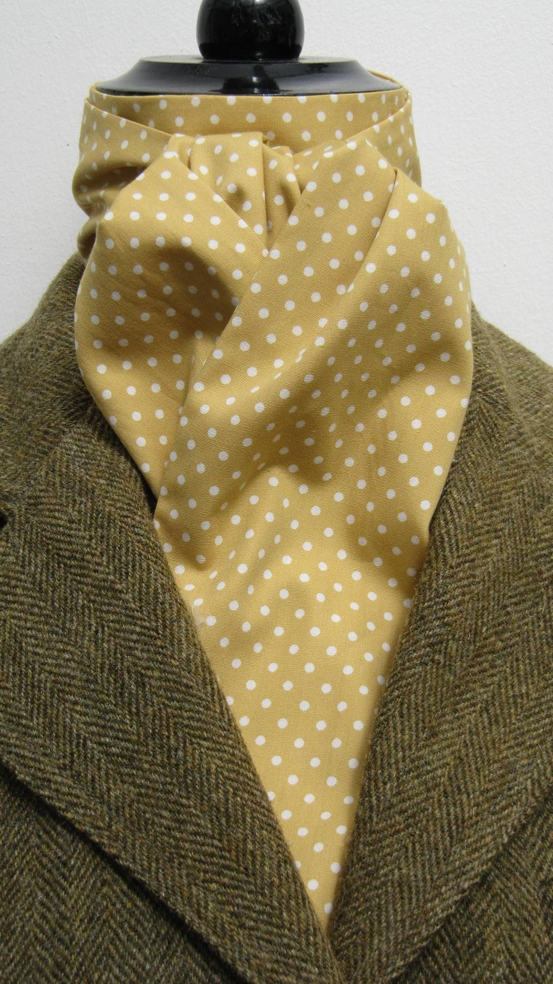 Hunting Ready Tied Mustard /& Cream Pin Dot Coton Riding Stock /& Scrunchie