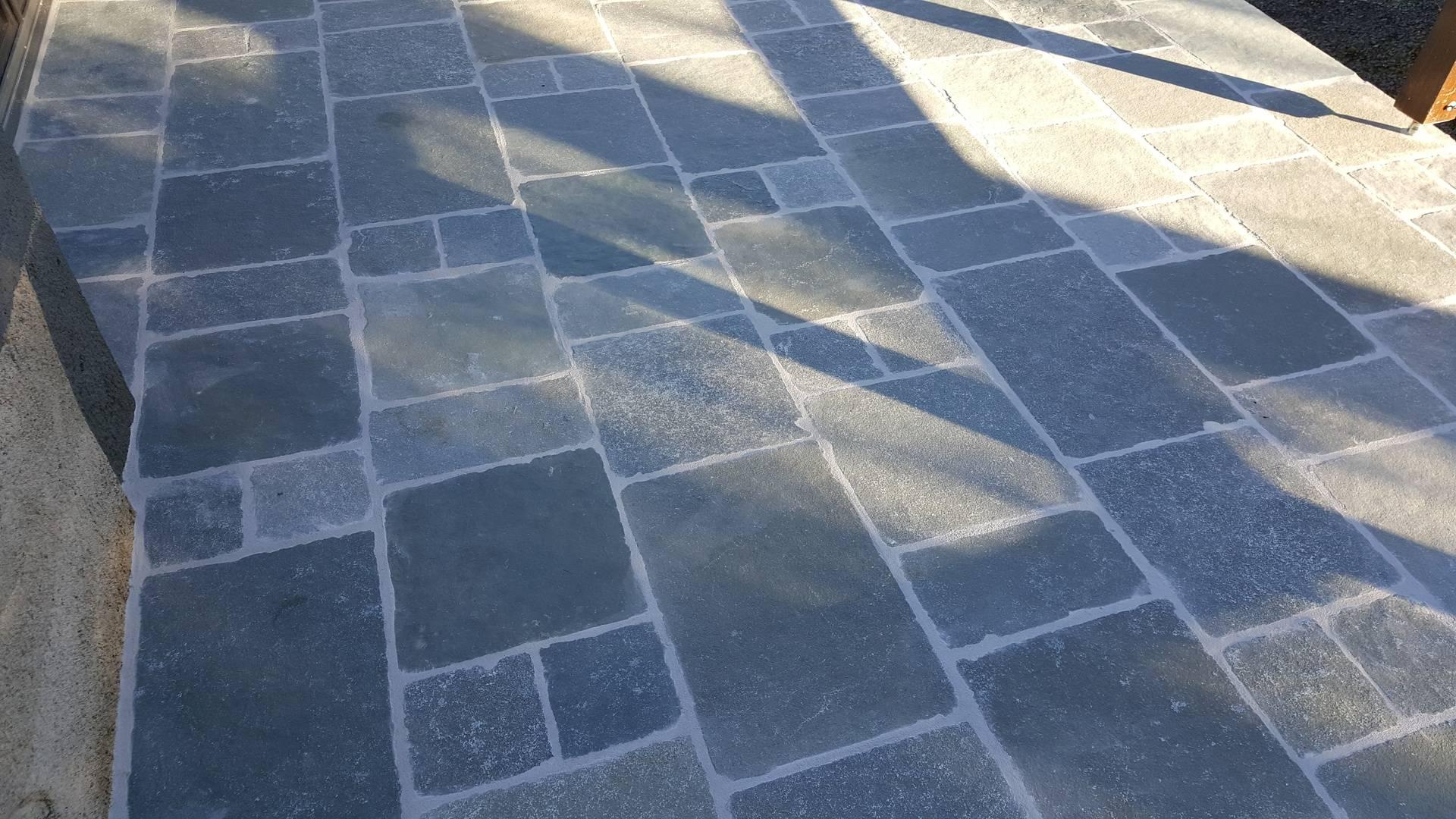 dallage de terrasse en pierre naturelle - 1
