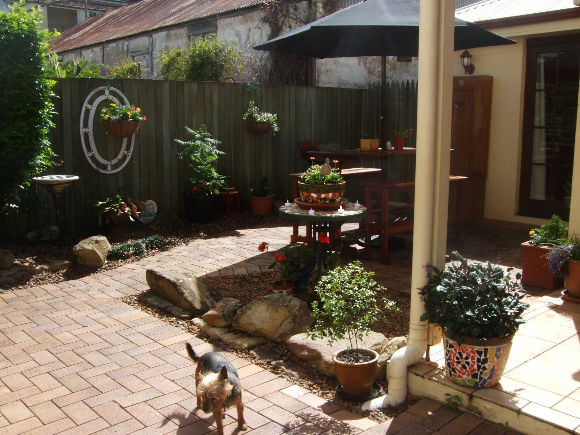 Private Courtyard/patio