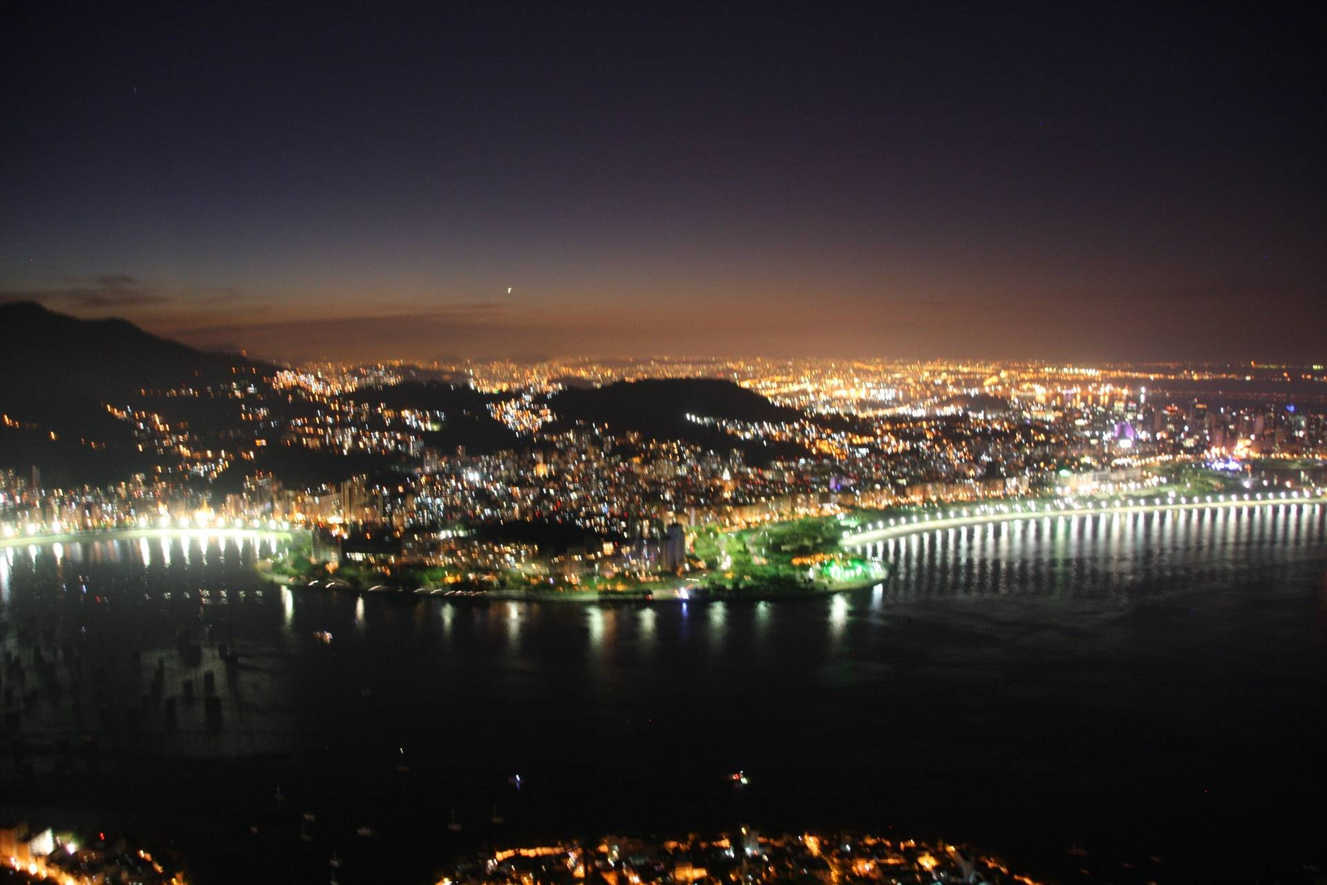Night view - Sugarloaf Mountain, Rio