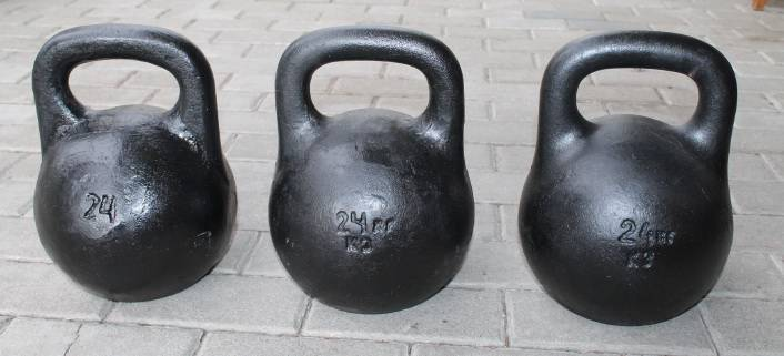 Gyra, svarmuo 24 kg. Kaina 28 Eur.