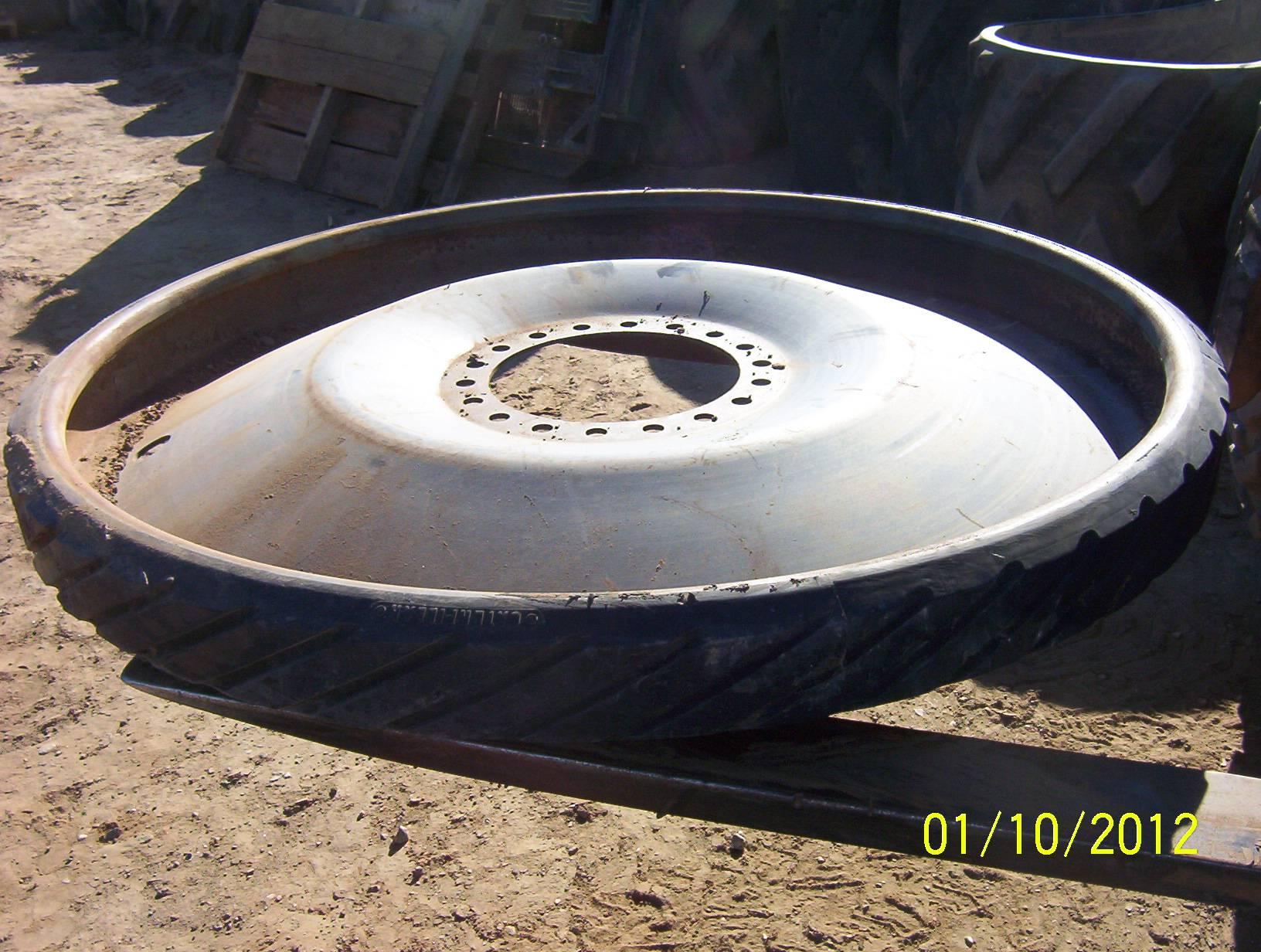MT-700 Rear Driver W/Chunk Missing
