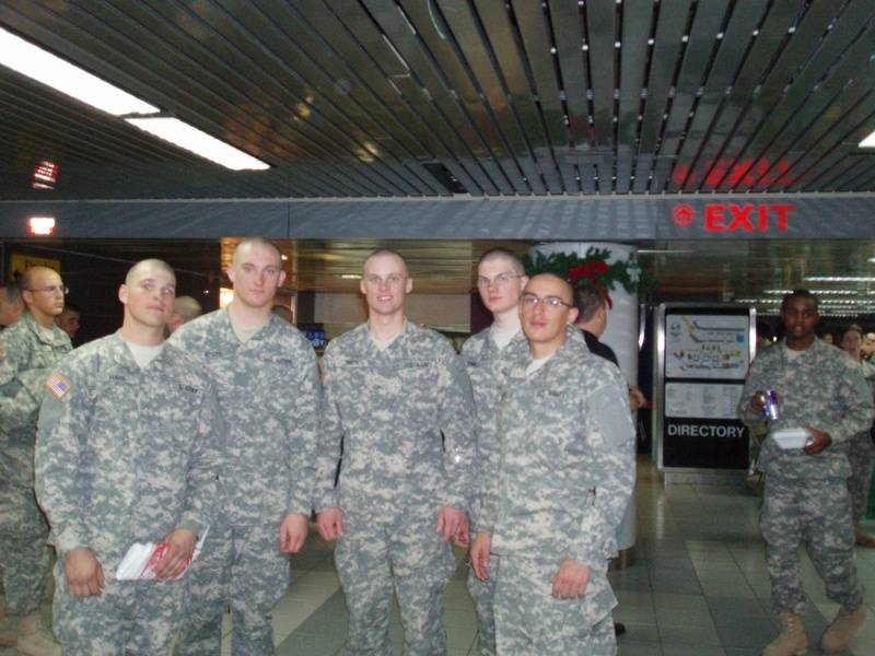 Troops passing thru the Airport