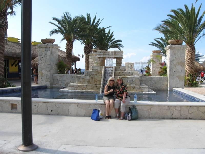Jean and Carol in Cozumel