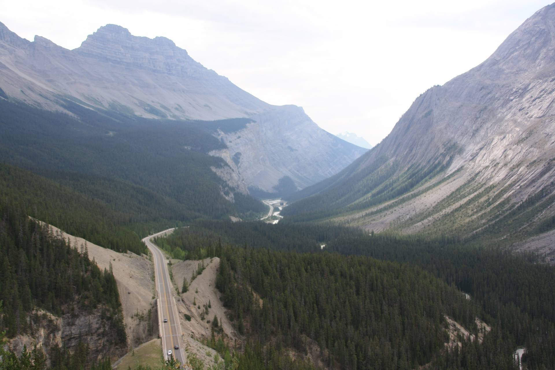 Road from Moraine Lake to Columbia Icefields