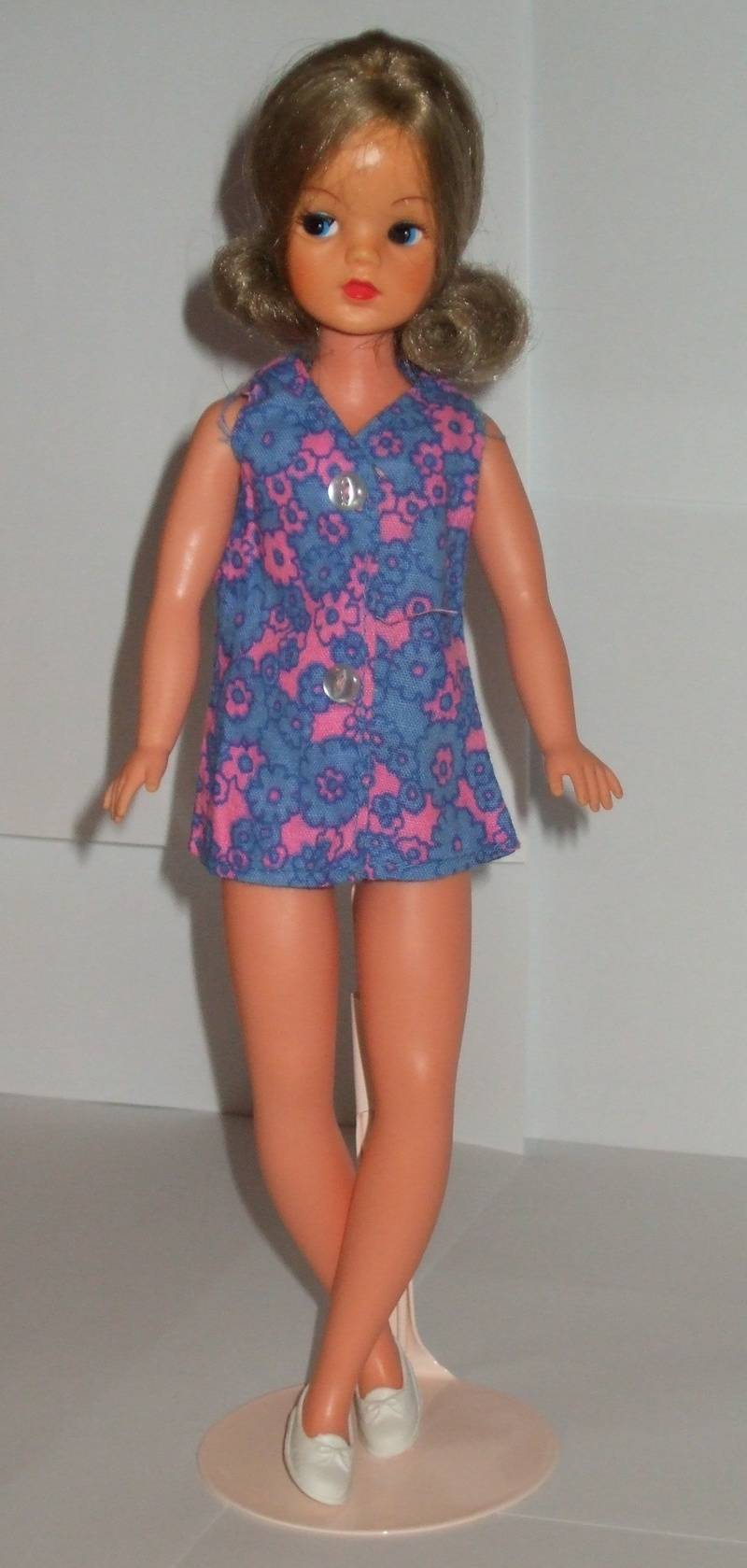 Fun Fashion - Sleeveless dress 1973 version