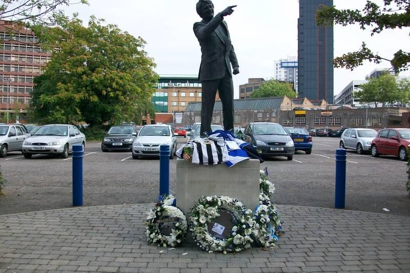 Sir Bobby Robson Statue, Portman Road