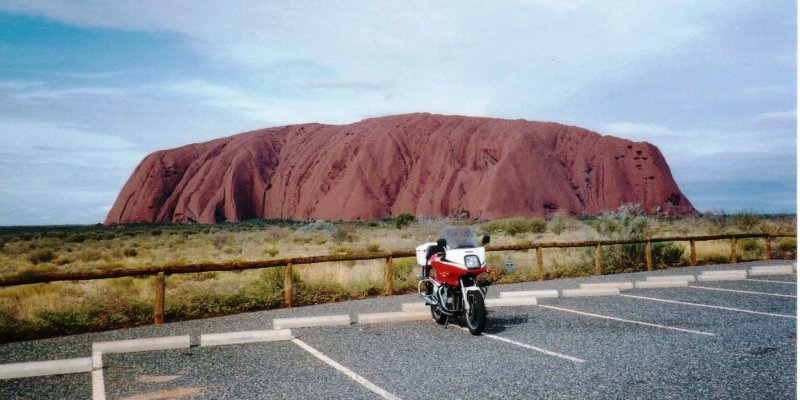 Tom's XJ900 in the Aryes Rock Viewing Area - May 1992