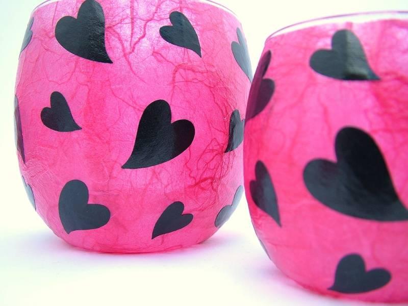 Shocking Pink and Black Melting Hearts