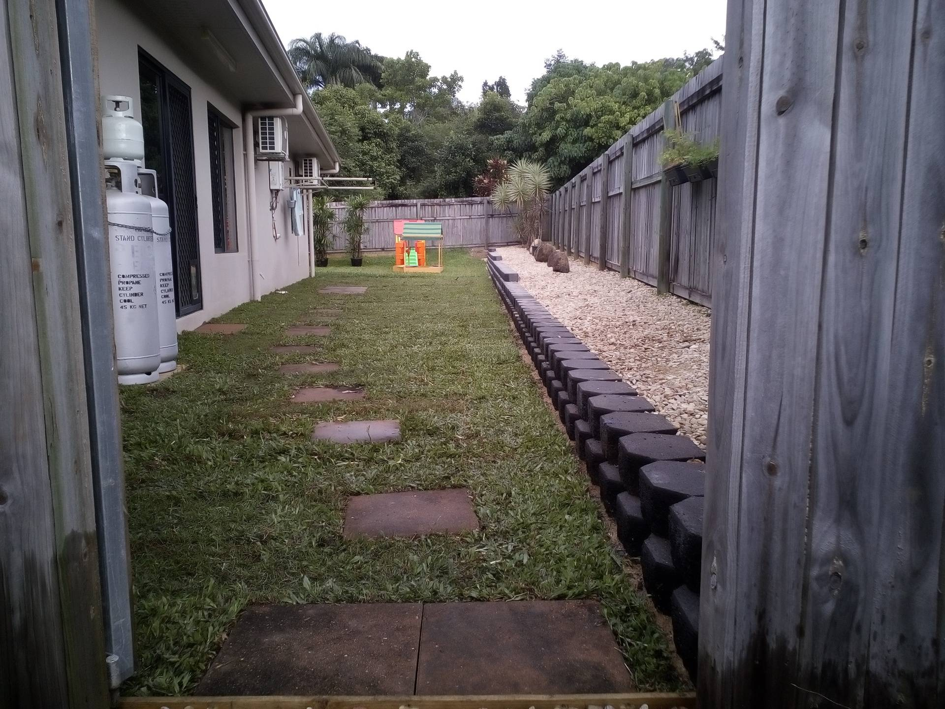 Retainer Wall, Laying Turf